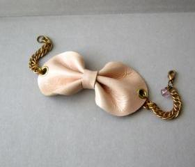 Pink leather bow bracelet cuff - Pink bow chain bracelet - Pink leather cuff - Cute bow bracelet - Girly leather bow accessory